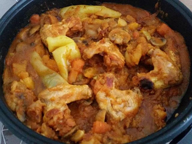 /FOTO/ Preporuka za ručak: Pileća krilca sa povrćem – ovako je nama ispalo