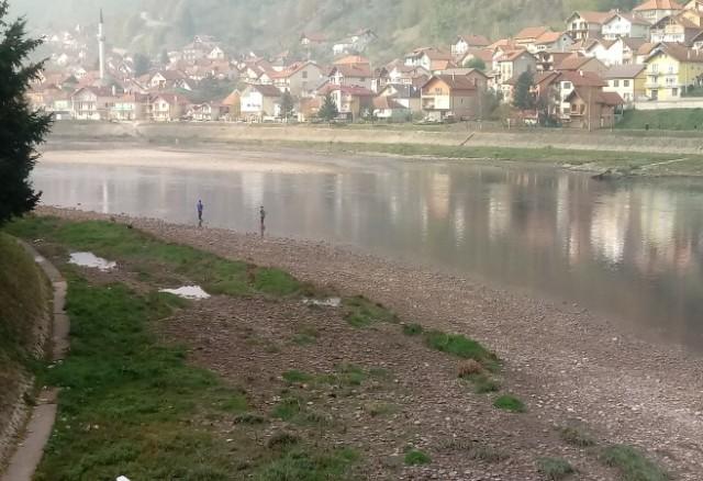 Rijeka Drina bogatija za više od 5.000 komada pastrmke