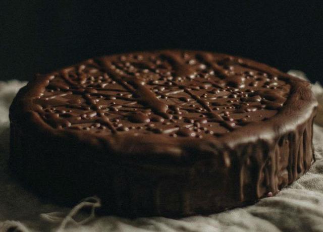 Čokoladni kolač koji vam neće zabraniti nijedna dijeta