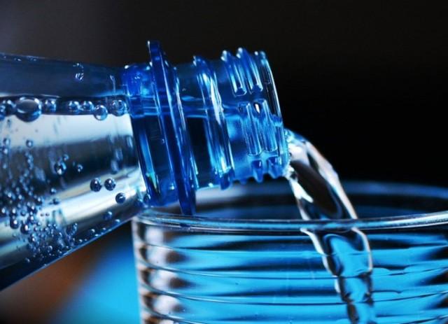 Treba li zaista da pijemo dva litra vode dnevno?