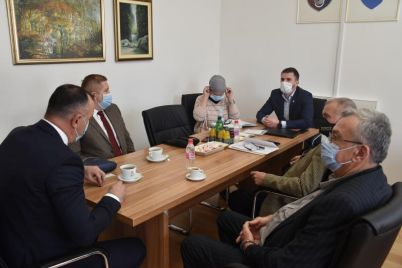 ministar-privrede-ks-i-peradari-1.jpg